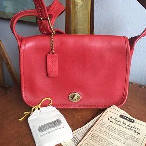 Coach Vintage Wide Strap Shoulder Bag MINT!